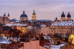 Ουκρανία, Lviv - 16 Δεκεμβρίου, 2016: Βράδυ Lviv Άποψη του CE Στοκ φωτογραφία με δικαίωμα ελεύθερης χρήσης