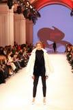Ουκρανική εβδομάδα FW18-19 μόδας: συλλογή από την Κατερίνα KVIT Στοκ Εικόνα