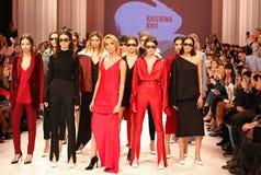 Ουκρανική εβδομάδα FW18-19 μόδας: συλλογή από την Κατερίνα KVIT Στοκ φωτογραφίες με δικαίωμα ελεύθερης χρήσης