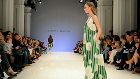 Ουκρανική εβδομάδα 2014, επίδειξη μόδας της Larisa LOBANOVA, φιλμ μικρού μήκους