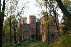 Ουκρανικό νεογοτθικό κάστρο των πολωνικών μεγιστάνων στο χωριό Leskovo στοκ φωτογραφία με δικαίωμα ελεύθερης χρήσης
