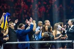 Ουκρανοί γιορτάζουν κερδίζουν του μπόξερ Oleksandr Usyk Στοκ Εικόνες