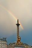 Ουράνιο τόξο πέρα από τη πλατεία Τραφάλγκαρ στο Λονδίνο Στοκ φωτογραφίες με δικαίωμα ελεύθερης χρήσης