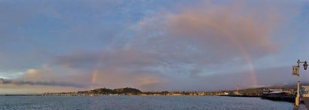 Ουράνιο τόξο πέρα από Santa Barbara Στοκ φωτογραφία με δικαίωμα ελεύθερης χρήσης