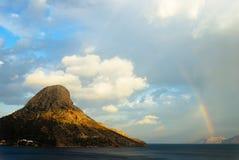 Ουράνιο τόξο σε ένα νησί Στοκ φωτογραφίες με δικαίωμα ελεύθερης χρήσης