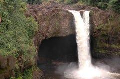 ουράνιο τόξο της Χαβάης πτώσεων Στοκ φωτογραφία με δικαίωμα ελεύθερης χρήσης