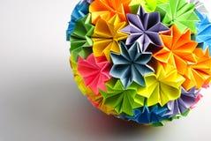 ουράνιο τόξο origami kusudama στοκ εικόνα με δικαίωμα ελεύθερης χρήσης