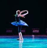 Ουρά-wagging-σύγχρονος χορός Στοκ φωτογραφία με δικαίωμα ελεύθερης χρήσης