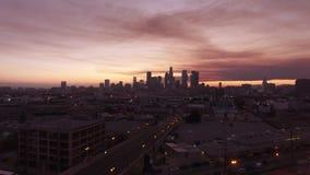 Ουρανοί καραμελών βαμβακιού πέρα από το στο κέντρο της πόλης Λος Άντζελες απόθεμα βίντεο