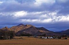 ουρανοί Smith βράχου του Όρεγκον θυελλώδες Στοκ εικόνα με δικαίωμα ελεύθερης χρήσης