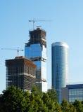 ουρανοξύστες κατασκευής Στοκ εικόνα με δικαίωμα ελεύθερης χρήσης