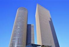 Ουρανοξύστες πολυόροφων κτιρίων του κέντρου Azrieli στοκ φωτογραφίες