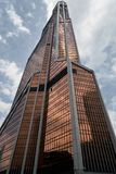Ουρανοξύστες πόλεων της Μόσχας το καλοκαίρι στη νεφελώδη καιρική προοπτική στοκ εικόνες