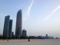 Ουρανοξύστες στο Αμπού Ντάμπι, Ηνωμένα Αραβικά Εμιράτα Στοκ φωτογραφία με δικαίωμα ελεύθερης χρήσης