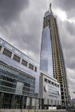 Ουρανοξύστης κάτω από την κατασκευή Στοκ εικόνες με δικαίωμα ελεύθερης χρήσης