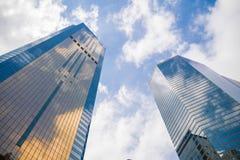 Ουρανοξύστης και ουρανός στοκ εικόνες