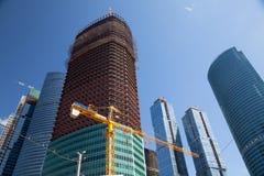 ουρανοξύστης κατασκε&upsilo στοκ εικόνα