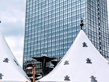 Ουρανοξύστης, πηγή και σκηνή Στοκ Εικόνα