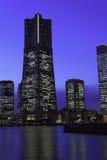 Ουρανοξύστης σε Minatomirai, Yokohama στο λυκόφως στοκ φωτογραφία με δικαίωμα ελεύθερης χρήσης