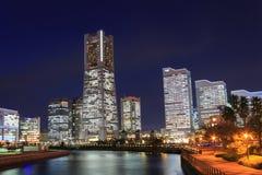 Ουρανοξύστης σε Minatomirai, Yokohama στο λυκόφως στοκ εικόνες με δικαίωμα ελεύθερης χρήσης