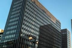 Ουρανοξύστης στο φως του ήλιου στο Παρίσι Στοκ εικόνες με δικαίωμα ελεύθερης χρήσης