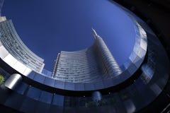 Ουρανοξύστης του Μιλάνου και οικονομική περιοχή Στοκ Εικόνα