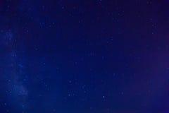 ουρανός έναστρος Ο γαλακτώδης τρόπος στο νυχτερινό ουρανό Στοκ Φωτογραφίες