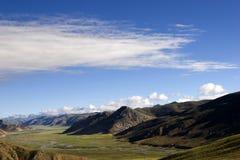 ουρανός βουνών τοπίων κάτω Στοκ Εικόνα