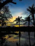 Ουρανός βραδιού, φως ηλιοβασιλέματος στην Ταϊλάνδη στην καρδιά της πόλης Στοκ εικόνες με δικαίωμα ελεύθερης χρήσης