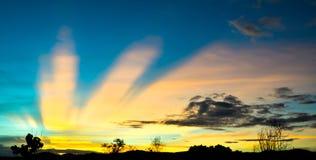 Ουρανός βραδιού πριν από τη θύελλα Στοκ φωτογραφία με δικαίωμα ελεύθερης χρήσης