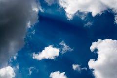 Ουρανός-εν μέρει νεφελώδης στοκ εικόνα