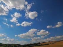 Ουρανός επάνω από το κεφάλι, νότια Μοραβία, Τσεχία Στοκ φωτογραφία με δικαίωμα ελεύθερης χρήσης