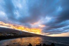 Ουρανός ηλιοβασιλέματος πέρα από το ηφαίστειο Teide Στοκ φωτογραφίες με δικαίωμα ελεύθερης χρήσης