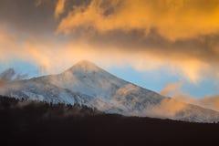 Ουρανός ηλιοβασιλέματος πέρα από το ηφαίστειο Teide Στοκ εικόνα με δικαίωμα ελεύθερης χρήσης