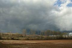 Ουρανός θύελλας στον τομέα Soria, Ισπανία στοκ εικόνες