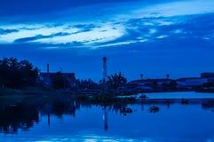 Ουρανός και ποταμός που εξισώνουν τον ήλιο Στοκ Εικόνες