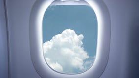 Ουρανός και σύννεφα από το αεροπλάνο απόθεμα βίντεο