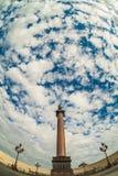 Ουρανός με τα σύννεφα πέρα από Άγιο Πετρούπολη Ρωσία Στοκ εικόνα με δικαίωμα ελεύθερης χρήσης