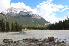 Ουρανός ποταμών Athabasca Στοκ Φωτογραφίες