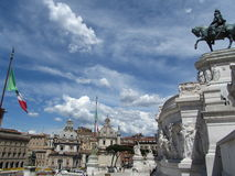 Ουρανός στη Ρώμη με την ιταλική σημαία Στοκ εικόνες με δικαίωμα ελεύθερης χρήσης