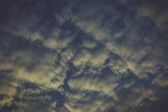 Ουρανός στο χρόνο ηλιοβασιλέματος Στοκ Εικόνες