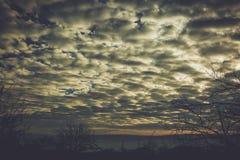Ουρανός στο χρόνο ηλιοβασιλέματος Στοκ Φωτογραφία