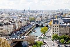 ουρανός του Παρισιού s 5 γραμμών Στοκ Φωτογραφίες