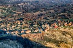 λοφώδης επαρχία το χειμώνα στοκ εικόνα