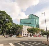 Οχήματα στο treet σε Saigon κεντρικός Στοκ Φωτογραφίες
