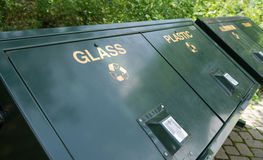 δοχεία ανακύκλωσης Στοκ φωτογραφία με δικαίωμα ελεύθερης χρήσης