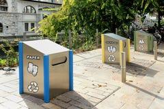 δοχεία ανακύκλωσης Στοκ Φωτογραφία
