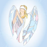 Ο άγγελος επίκλησης με το blindfold και με τα χέρια υπόβαλε entreaty στο μπλε υπόβαθρο Στοκ Εικόνες