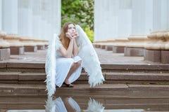 Ο άγγελος κοριτσιών συλλογίστηκε Στοκ εικόνα με δικαίωμα ελεύθερης χρήσης