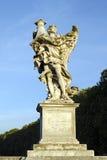 Ο άγγελος με τη στήλη Στοκ εικόνα με δικαίωμα ελεύθερης χρήσης